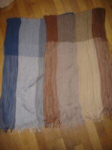 Lot-de-2-foulard-echarpe-tres-doux-belle-couleur-etat-neuf