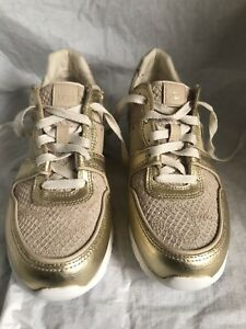 85195cc7aa2 Details about UGG Deaven Sneaker Women Trainers Athletic Shoes 1012175 Soft  Gold SIZE 7.5