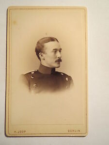 Berlin-Soldat-in-Uniform-Portrait-CDV
