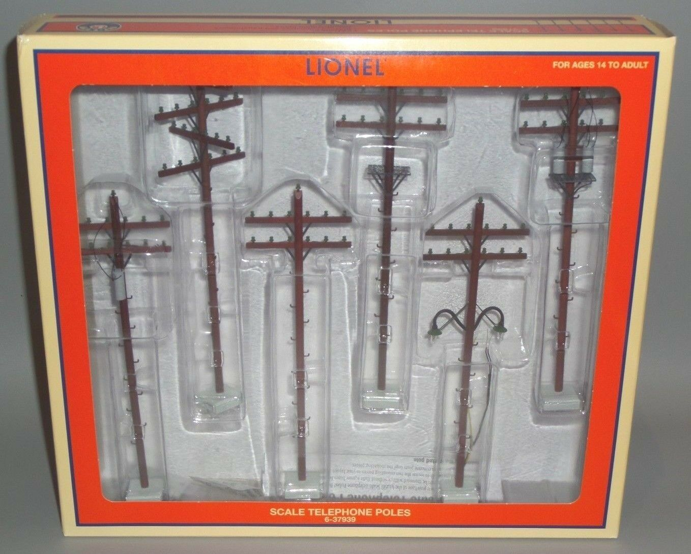 2011 LIONEL 6-37939 SCALE TELEPHONE POLES (6) ONE WITH OPERATING LIGHTS NIB