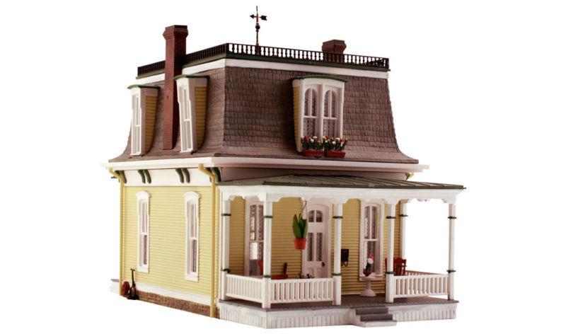 Escala HO-Excelente Casa Victoriana completamente construido y listo  Súper Detallado