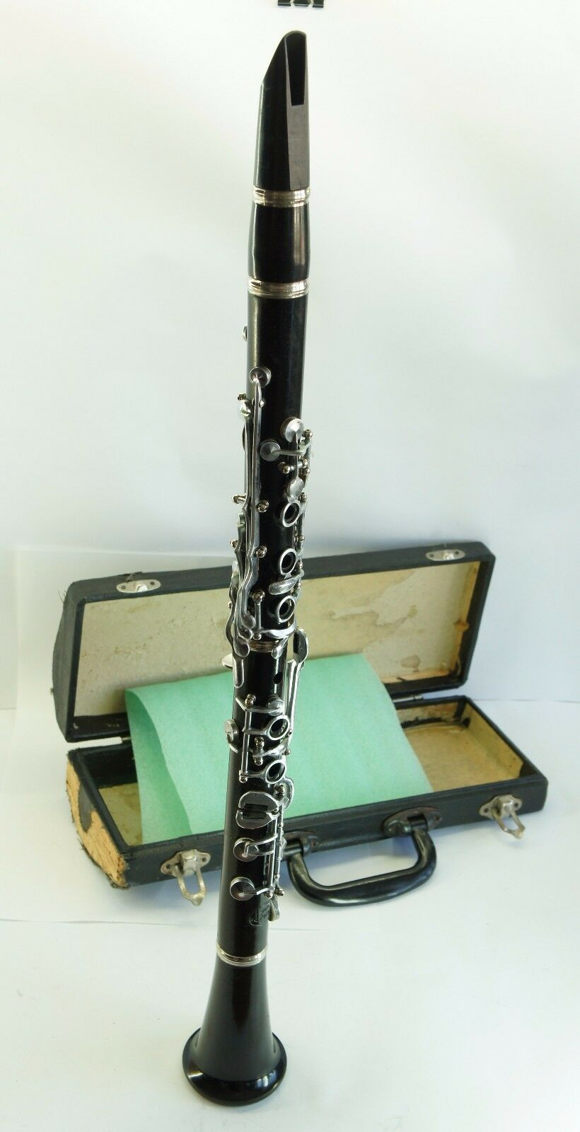 Antique, Clarinet Musical Inst USSR 1979 with Mouthpiece in Case