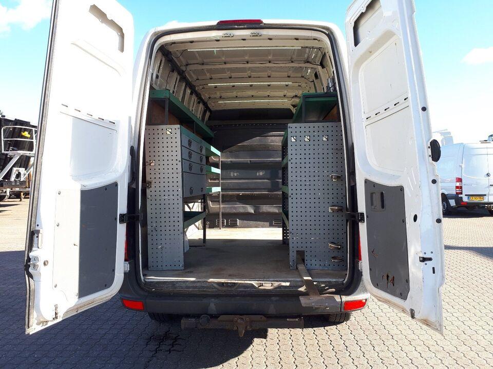 VW Crafter 2,0 TDi 163 Kassevogn L d Diesel modelår 2011 Hvid
