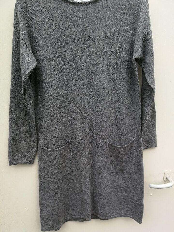 Anden kjole, Up Fashion, str. M