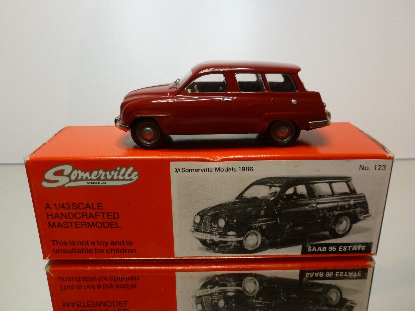 SOMMERVILLE 123 HANDCRAFTED SAAB 95 ESTATE '61- rouge 1 43 RARE - VERY GOOD IN BOX