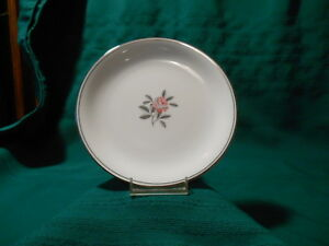Noritake-034-Rosales-034-5790-Bread-Plates-Pink-Rose-Platinum-Leaves