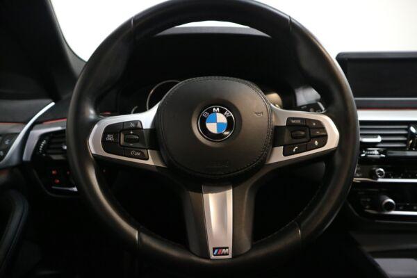 BMW 530d 3,0 Touring M-Sport aut. - billede 3