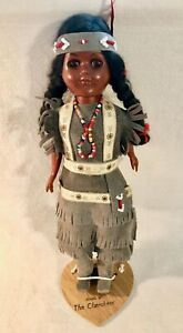 11-Inch-Indian-Doll-w-Sleepy-Eyes-in-real-gray-leather-dress-Made-By-Cherokees
