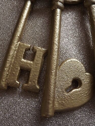 HOME// Wedding //New Home//Gift DECORATIVE  CAST IRON KEYS ON RING GOLD COLOUR