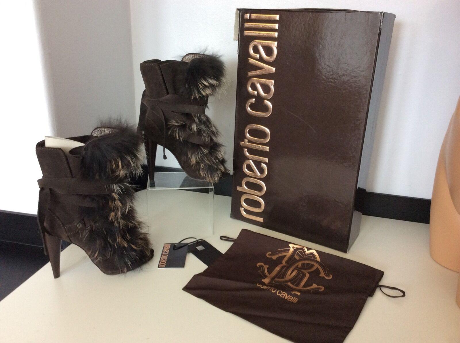 Roberto Cavalli Fur Trimmed Boots Uk 5.5, Eu38.5, Suede, Heel, Dasha