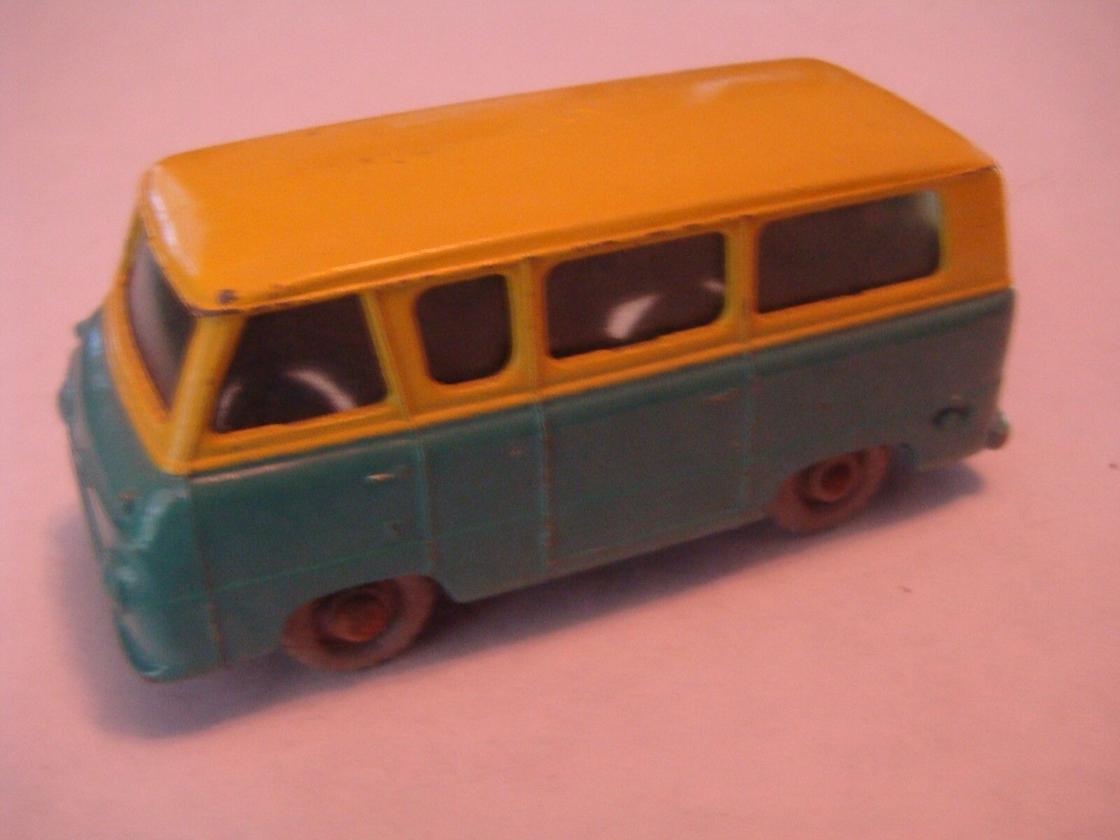 Matchbox Regular Rueda 70 Ford Thames Estate Car Tinted Windows GPW 1959