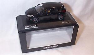 Ford-Focus-ST-2011-Negro-Metalizado-Ltd-Edition-Escala-1-43-Nuevo-En-Caja