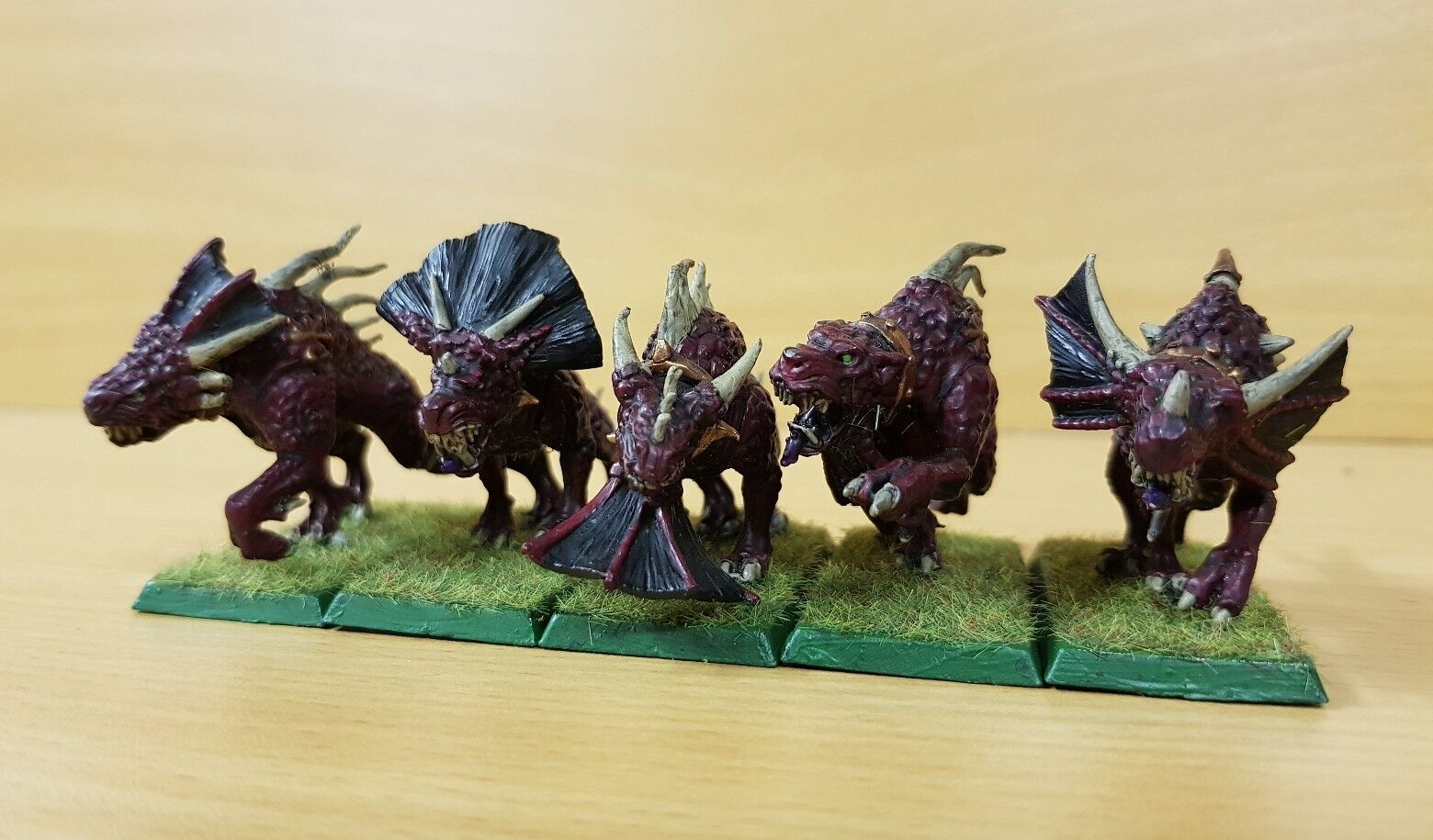 Chaos Daemons 5 x Flesh hounds of Khorne well painted metal models (b) OOP