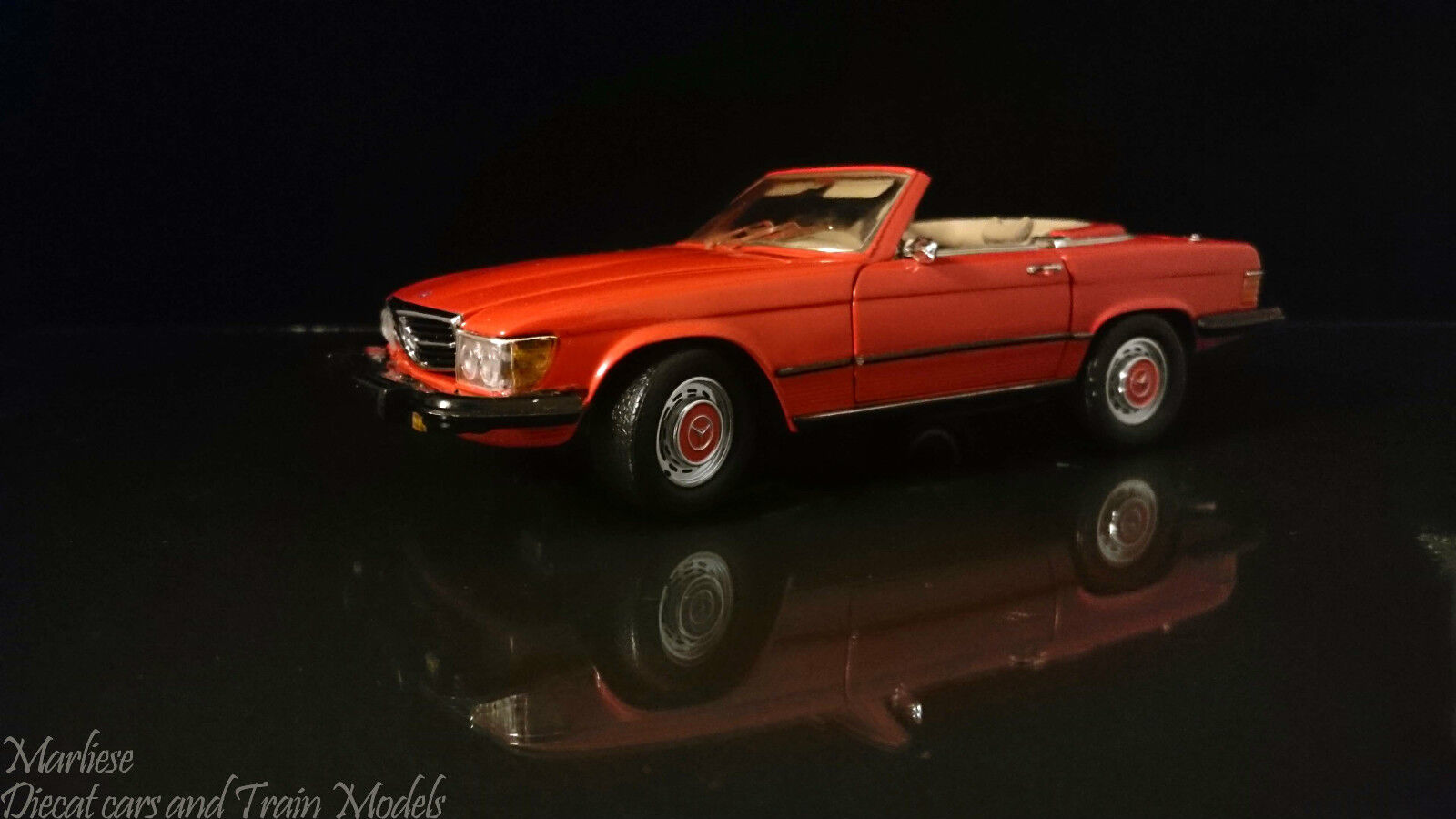 Scary Scarce CMC 1 24 M-012 Mercedes-Benz 450SL, US Version, 1973 80 - rot