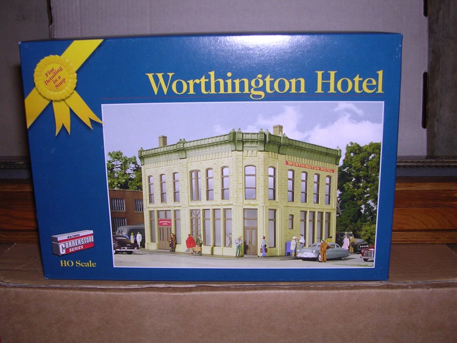 WALTHERS  3609  Worthington Hotel - Building KIT  H.O.Scale  1/87
