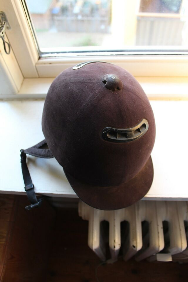 Andet, ride hjelm