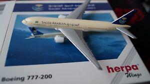 BOEING-777-200-Modellflugzeug-SAUDI-ARABIAN-AIRLINES-1-500-Herpa-Wings-506373