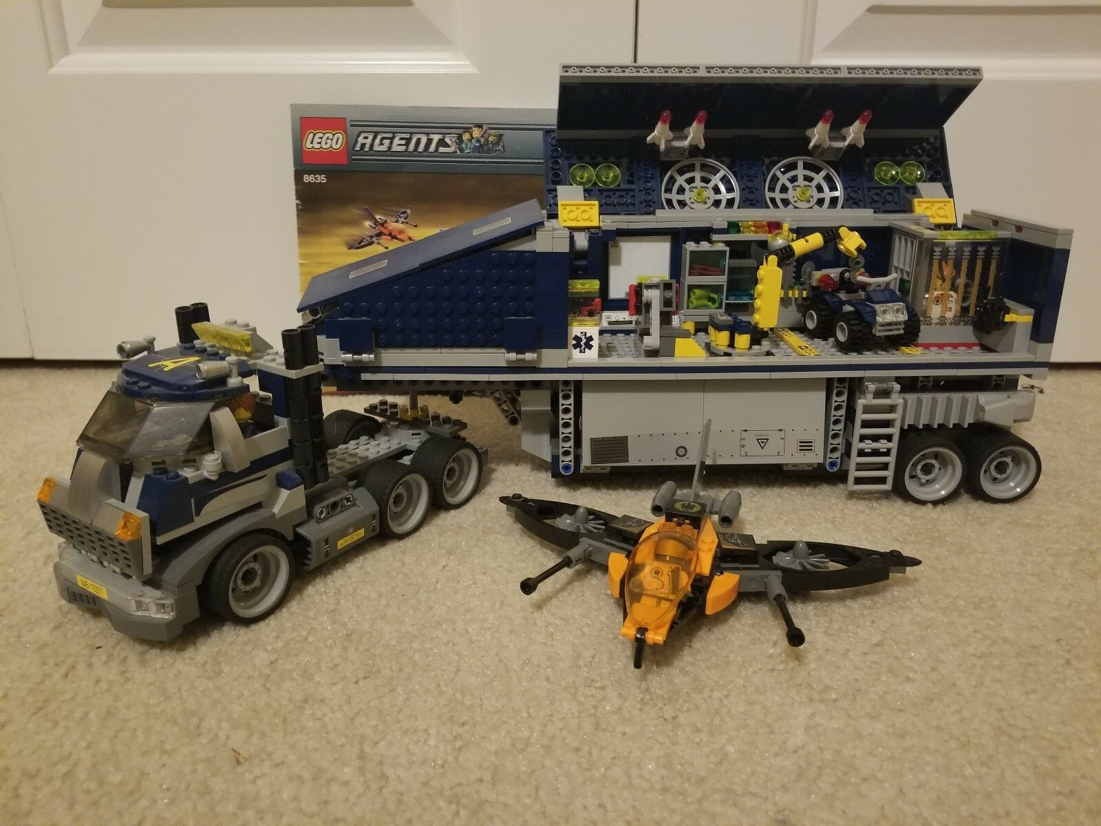 LEGO Agents Mobile Command Center  8635  - 100% complete