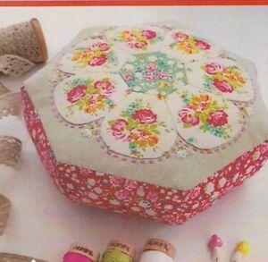 PATTERN-Blossom-Pincushion-Creative-Cards-mini-PATTERN-Lilabelle-Lane