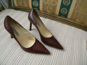 Isaac-Mizrahi-Dark-Brown-Croc-Embossed-Leather-Pointed-Toe-Pumps-Heels-Size-7-5