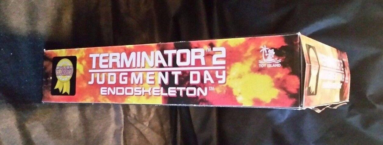 15 15 15  TERMINATOR 2 JUDGEUomoT DAY Endoskeleton by Toy Island a02a53