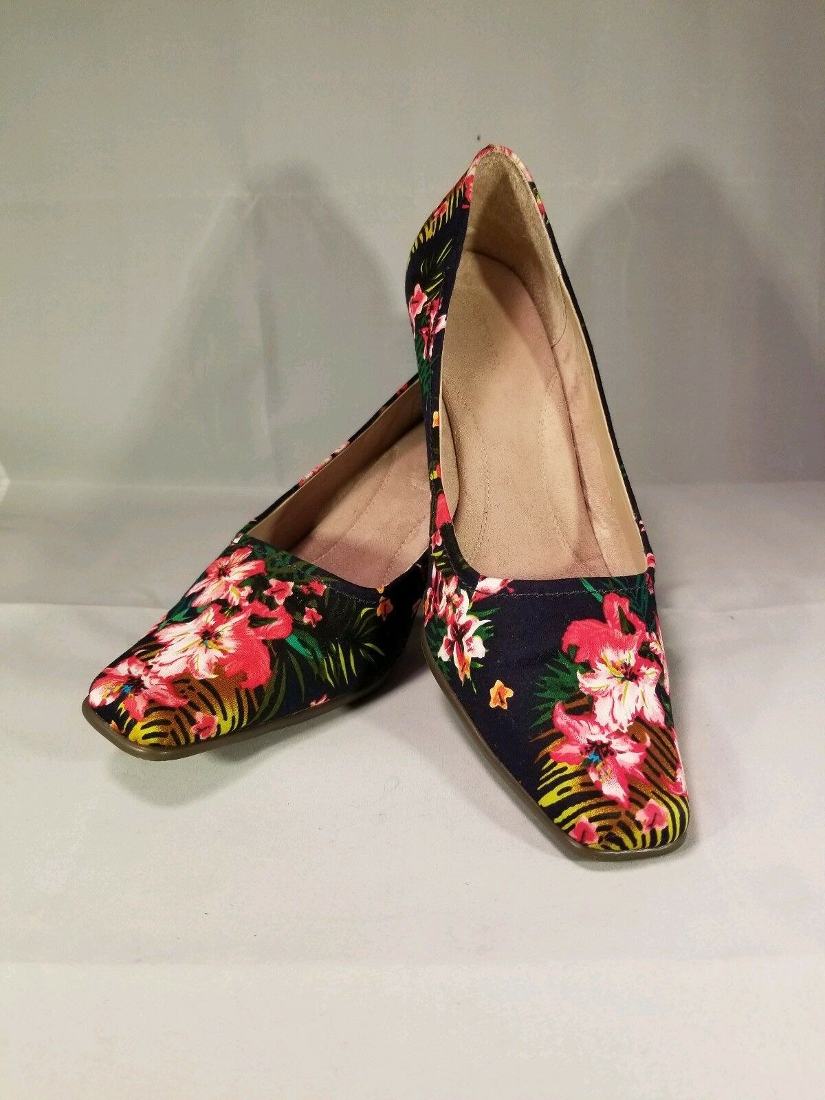 e760a95b3263c Aerosoles Aerosoles Aerosoles Envy Hawaiian Hibiscus Floral Womens ...