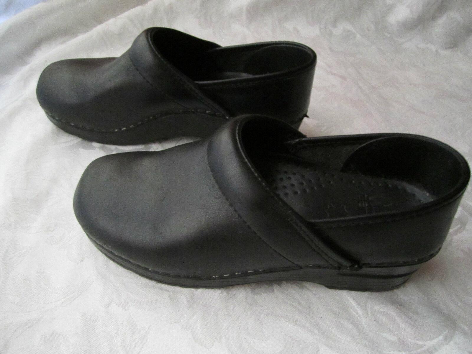 migliore offerta DANSKO nero Leather Professional Clogs - VGUC VGUC VGUC - 38 8  Offriamo vari marchi famosi