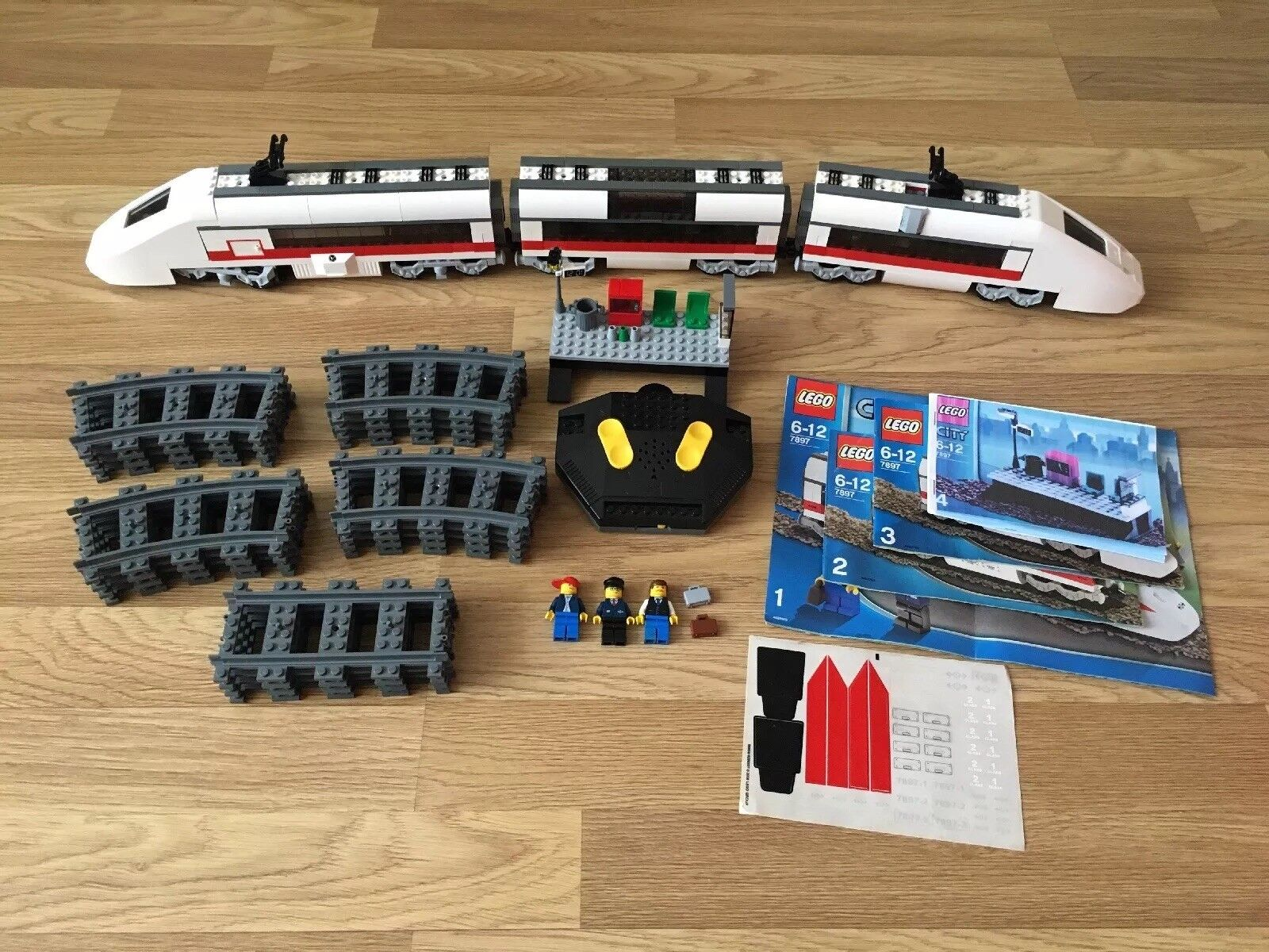 Lego City Passenger Train Set 7897 Include Motor Function, Remote And Minifigure