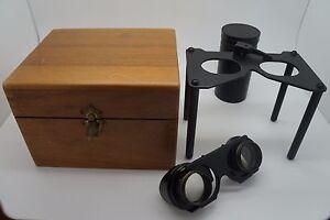 INSTRUMENT-ANCIEN-LOUPE-REGLABLE-sur-SOCLE-LECTURE-DE-CARTE-COFFRET-BOIS-1950-60