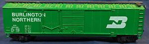 Burlington-Northern-BN-100024-GREEN-Box-Car-HO-SCALE-VINTAGE