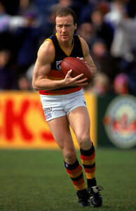 OLD-ADELAIDE-CROWS-PHOTO-Scott-Lee-Of-The-Crows-In-Action