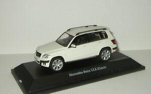 1-43-Schuco-Mercedes-Benz-GLK-X204-4WD-2009-White-07247