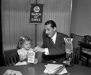 CBS-OLD-TV-RADIO-PHOTO-Robert-Trout-amp-Nancy-Drury-March-of-the-Dimes-Child-3