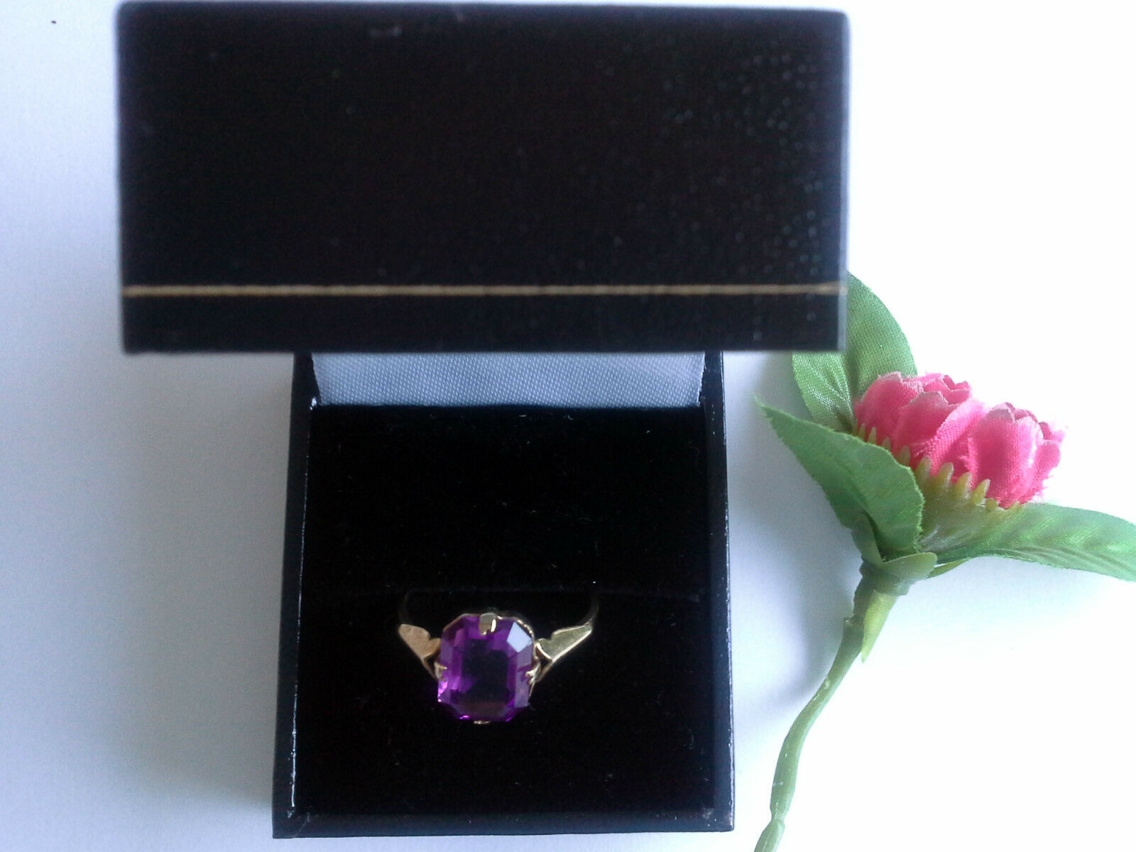 9ct Hallmarked gold Amethyst Stone Ring Size P1 2