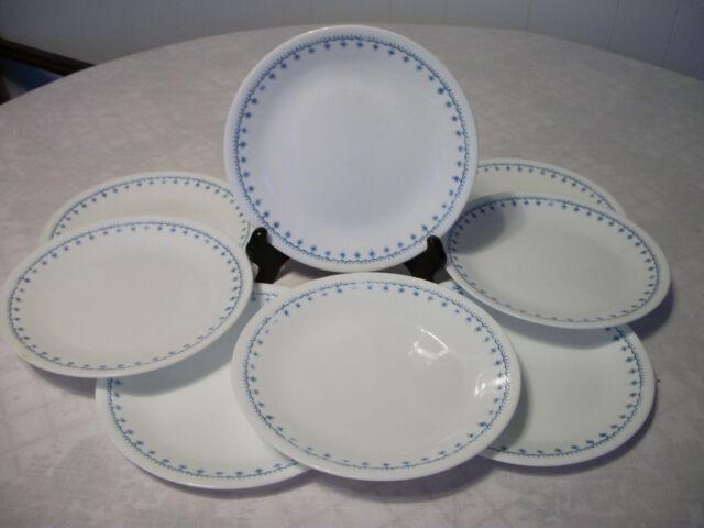 Corelle Snowflake Garland Sandwich Plates 8 & Corelle \\\