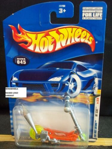 HOT WHEELS 2001 FE #33 CARD #45-5 MO SCOOT RAISED LOGO 01CA