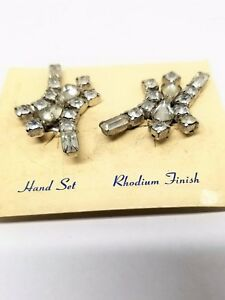 Abstract-Rhinestone-Earrings-Hand-Set-Rhodium-Finish-Clip-On-Vintage