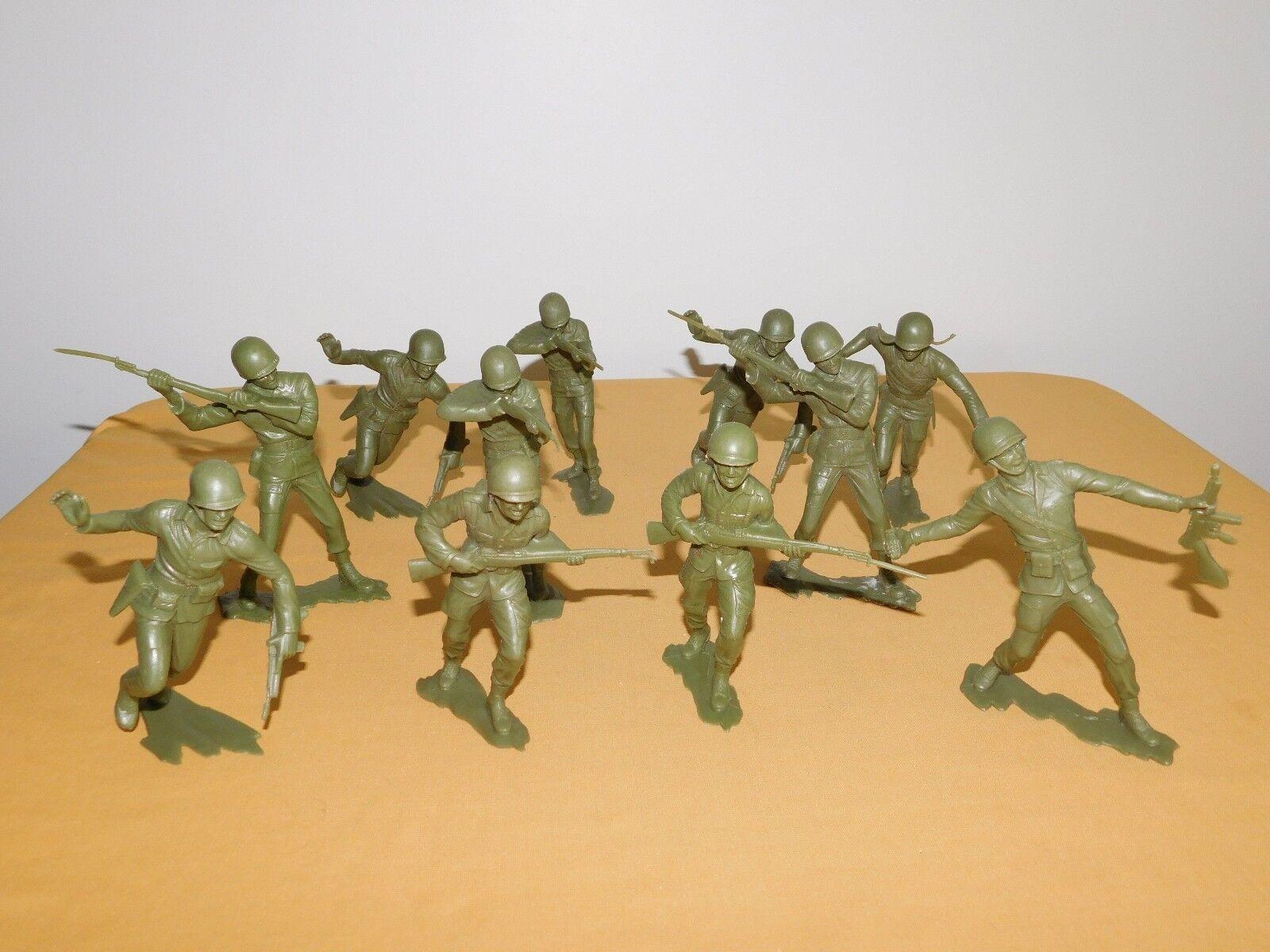 VINTAGE OLD TOY 10 WWII 5 1 2  HIGH PLASTIC USMC US MARINES SOLDIERS LOT