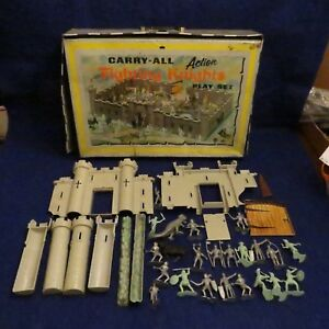 Vtg-MARX-Fighting-Knights-Carry-All-Action-Toy-Tin-Case-Play-Set-Soldiers-4635