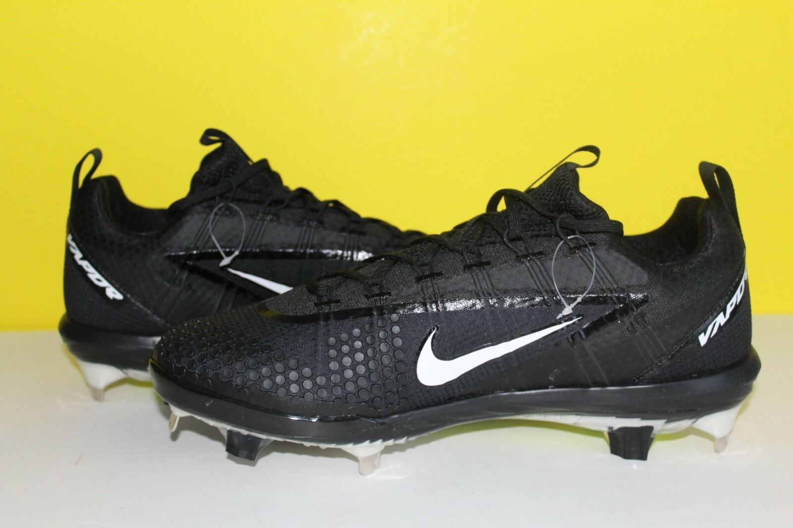 Nike Lunar Vapor Ultrafly Elite Men's Sz 11 Baseball Cleat Shoes 852686-010 best-selling model of the brand