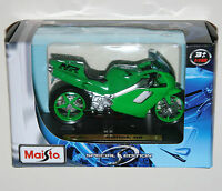 Maisto - Honda (green) Motorbike - Model Scale 1:18