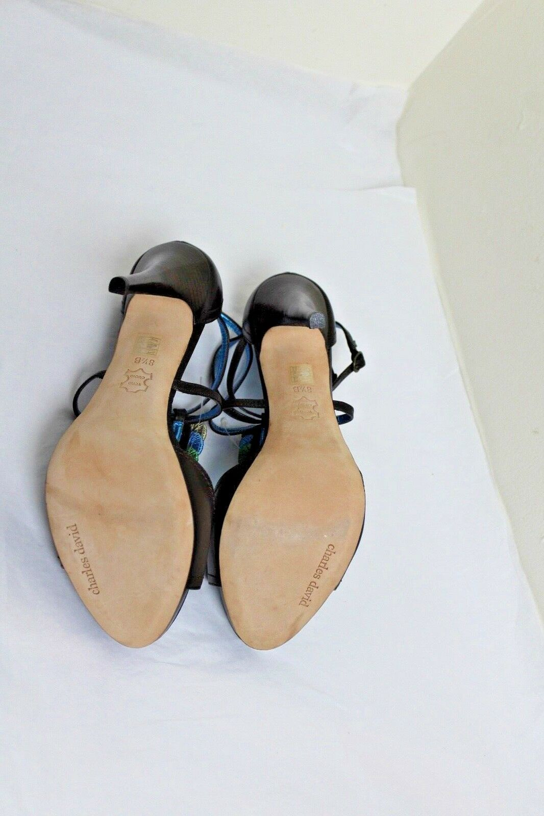 Charles David Dark Brown Embellished Faux Leather Open Toe T-Strap T-Strap T-Strap Pump 8.5M  d1346d