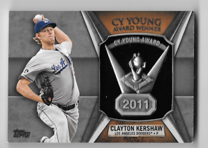 Clayton-Kershaw-2013-Topps-2011-CY-Young-Award-Winner-Commemorative-Trophy-Card