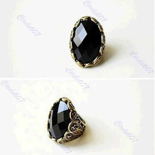 Retro Style Carved Patterns Big Stone Rhinestone Exquisite Ancient Ring Gift New