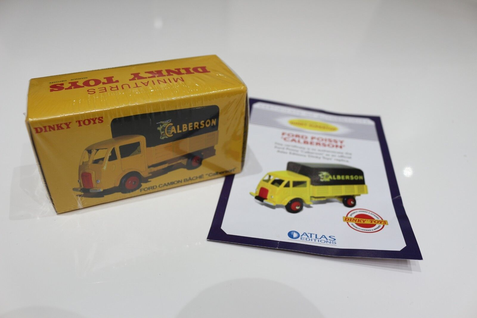 Atlas Editions Dinky Toys Ford Camion BRAND NEW & sealed WITH CERTIFICATE