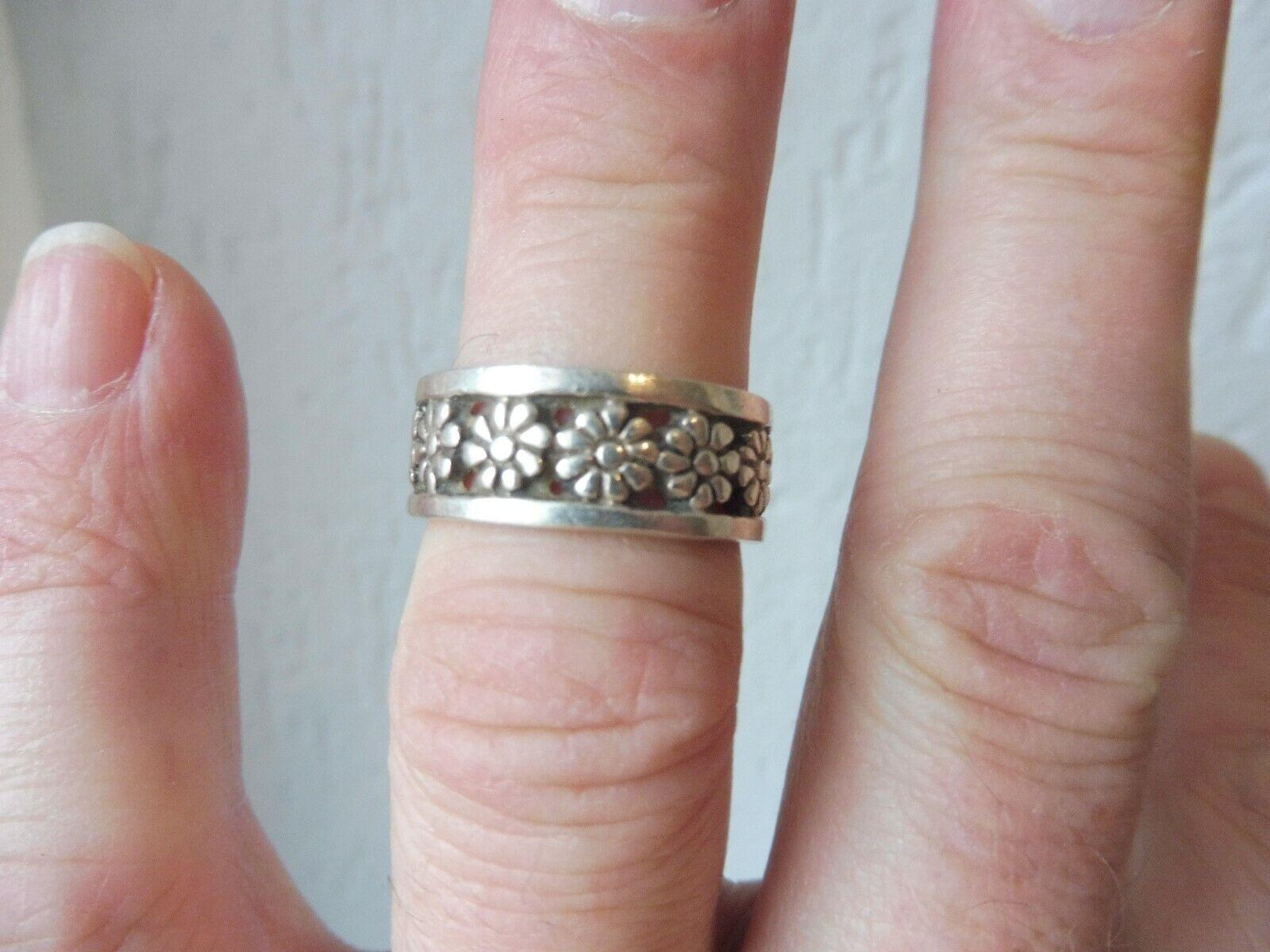 Schöner ,alter Ring__925 silver __bluemen__
