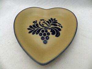 Pfaltzgraff-Folk-Art-pattern-Heart-shaped-Plate-9-034-tall-EUC