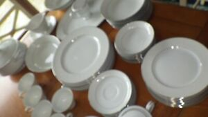 Vintage-White-China-Dinnerware-Bridal-62-pieces-Mostly-service-8-Alencon-62pcs