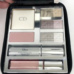 Christian-Dior-Holiday-Collection-Makeup-Palette-Eye-Shadow-Lips-Blush-Mascara