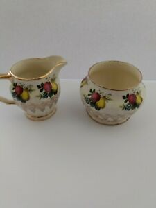 Vintage-Sadler-England-China-Creamer-and-Sugar-Set-Fruit-design-pre-1930-039-s